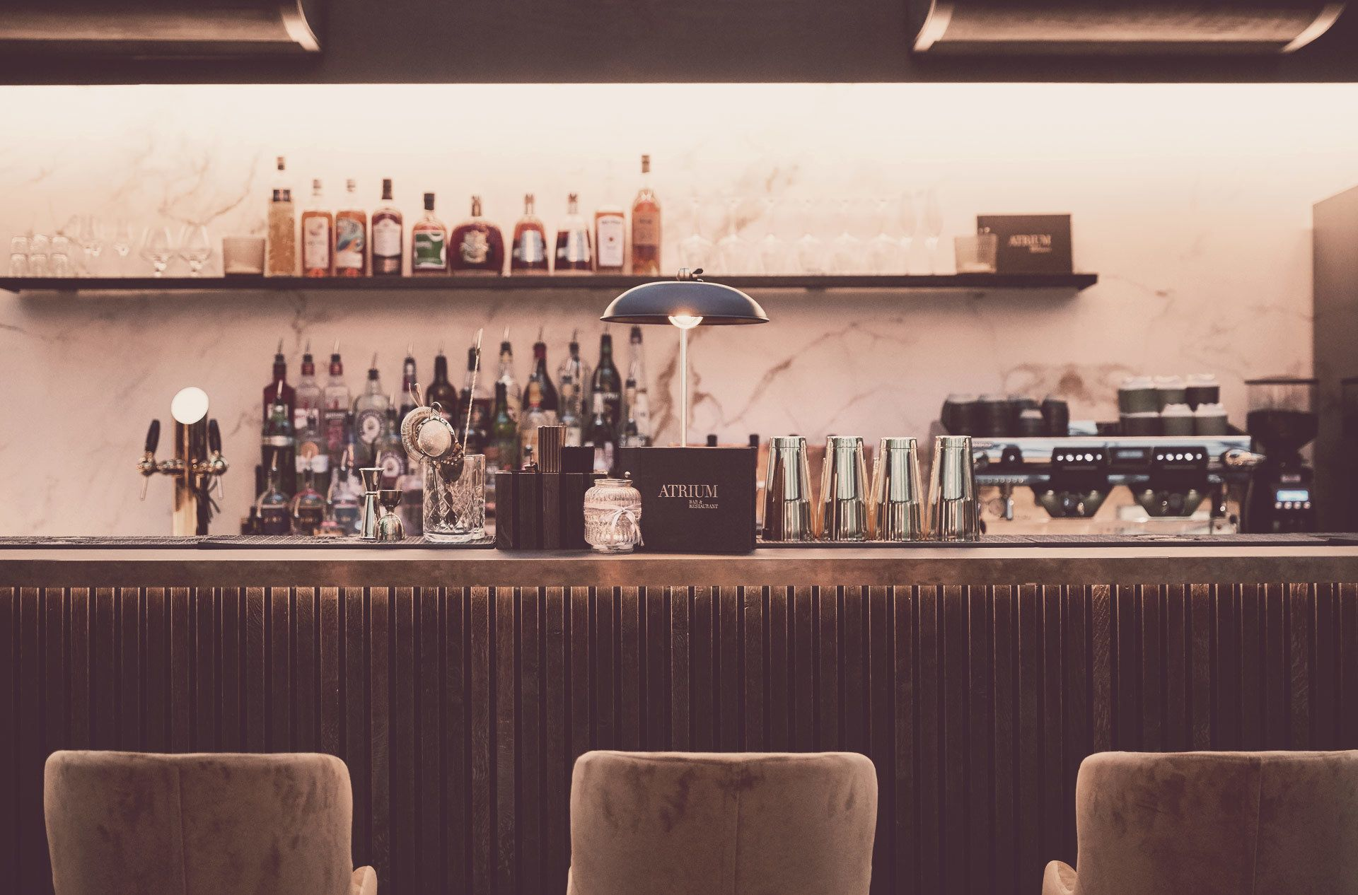 Cocktailbar i Aarhus – Prøv vores friske cocktails på Atrium cocktailbar